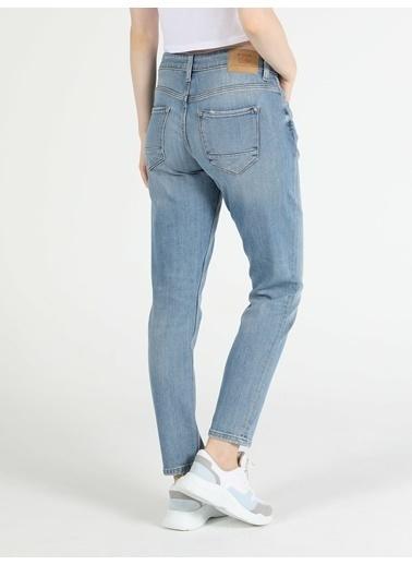 Colin's 892 Alına Orta Bel Daralan Paça Slim Boyfriend Fit Açık Mavi Kadın Jean Pantolon Mavi